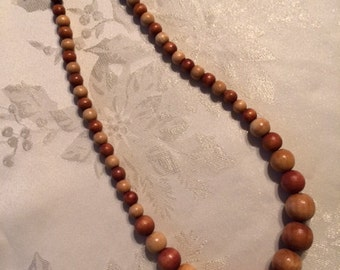 Vintage 1960's Wooden Beads Necklace