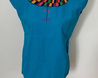 Mexican Embroidered Blouse / Ethnic Boho Mexican blouse / Handwoven Mexican Blouse
