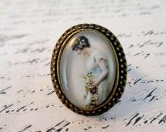 "beautiful vintage ring ""fashion Lady"""