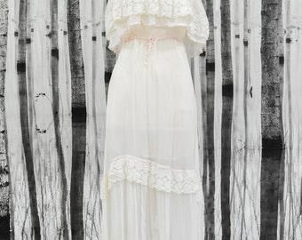 LOLA- Genuine Vintage 1970s Wedding Dress
