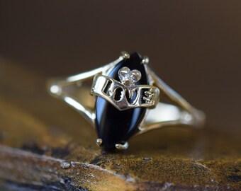 10 Karat Yellow Gold Vintage Black Onyx Love Ring, US Size 7.0, Used