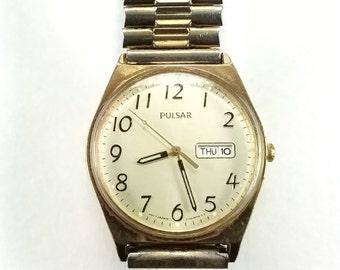Vintage Pulsar Quartz Watch Day Date V733 8A40