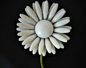 Vintage Enamel Flower Daisy Statement Brooch Floral Coat Sweater Pin White Mid Century Costume Jewelry