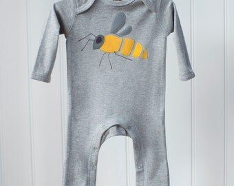 Baby Bee Applique Sleepsuit - Bodysuit - Sleepsuit - Baby Clothes - Babygrow - Mothers Day Gift - Gifts for Babies - Onesie - Baby Gifts