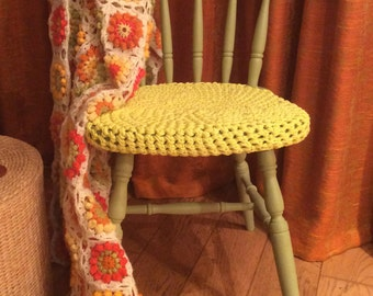 Chair with crochet seat