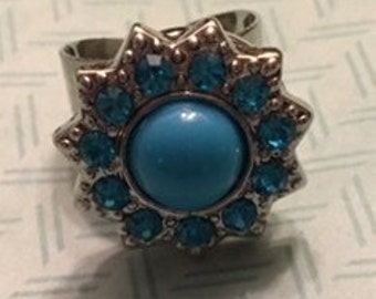 New Silver Snap Ring with a Pretty Blue Bling 18mm Interchangeable Snap - Add a Little Bling to your Outfit! - Adjustable