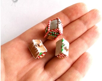 Miniature Christmas gingerbread house. Gingerbread house charm. Gingerbread house keychain. Gingerbread house earrings. Christmas jewelry