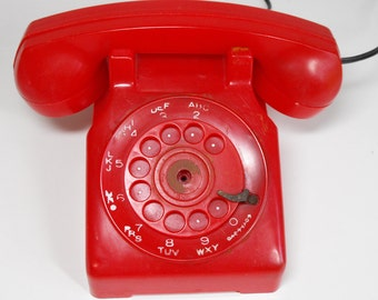 Vintage Red Plastic Rotary Telephone Battery-Operated Toy  (1021)