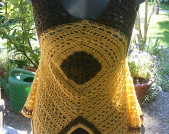 Crochet top yellow/gold brown/gold, pointy shape, size 36-38 (S-M)