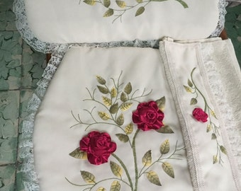 White 3-piece bathroom hand embroidery with Ribbon set
