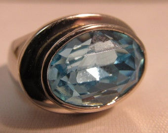 Beautiful Sterling Ring - 6ct Blue Topaz - Size 7  #SR17