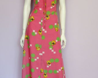 Vintage 70's full length pink dress with yellow violets & green dots // maxi // Eur 34 / US 4 / UK 6