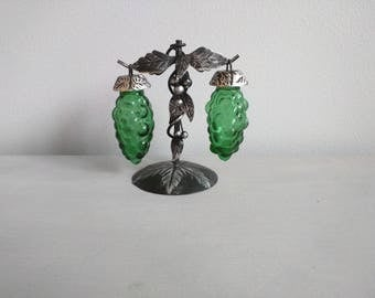 Rare Green Vintage Salt and Pepper Shakers Set Hanging Grapes, Hanging Grape Vine Collectibles Vintage Art Deco Kitchen Shakers Retro Shaker