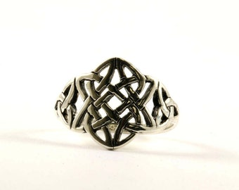 Vintage Celtic Knot Front Design Ring 925 Sterling Silver RG 2167-E