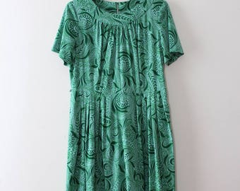 vintage 1960s paisley dress // 60s green paisley day dress