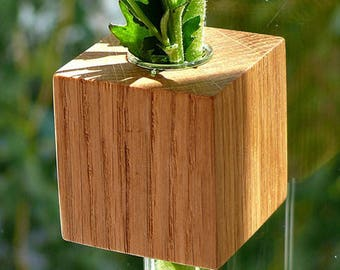 Window vase oak