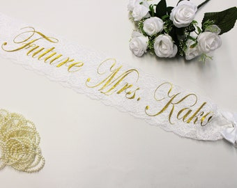 Wedding sash Bridal Gift Custom sash Bachelorette Party Personalized sash Bachelorette Lace Plus size Wedding gift Bride to be Gold Glitter