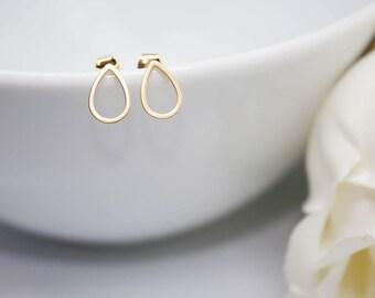 Stud Earrings of Teardrop in yellow gold