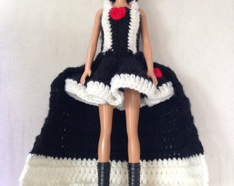 Dress the Red Queen in crochet for Barbie Princess