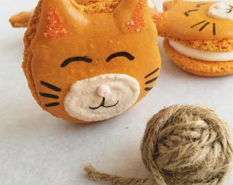 12 Kitty Macarons