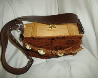 MyShell - Cigar Box Purse - Made from recycled materials.