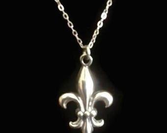 Vintage Fleur de Lis Sterling Silver Pendant and Necklace