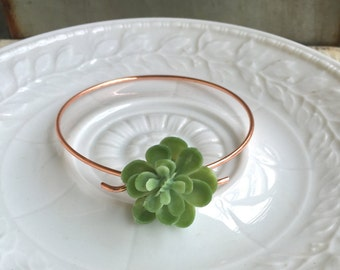 Simple Succulent bracelet, bridesmaid bracelet,succulent wedding,flower bangle,succulent bangle. Tiedupmemories