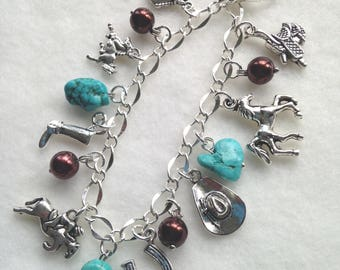 FREE Shipping!  Horse Charms Bracelet. Horse Lover. Horses. Saddle. Horseshoe  BC15