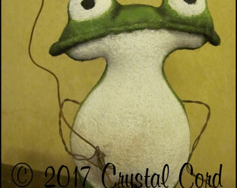 Whimsical frog toad green doll spring Valentine's day decor primitive decor animal farm kitchen Doll creepy cute country decor HaFair Faap