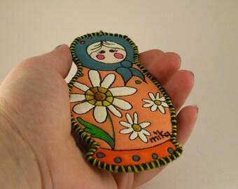 Daisy Babushka Ornament #1005 ORIGINAL Mock Pie Studio Art Quilt