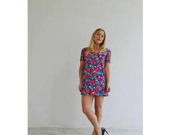 25% OFF SALE 1960s Bold Flower Mini Dress /// Size Small to Medium