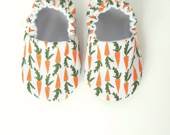 Carrot Baby Moccs / Baby Shoes / Baby Moccasins / Montessori Shoes / Soft Soled Shoes / Organic Moccs / Organic Baby Shoes