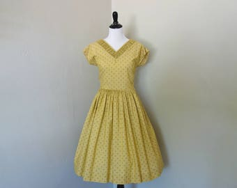Vintage 1950s Dress, Golden Yellow Polka Dot Dress with Short Sleeves and Full Skirt, Decorative Pleats at Neck, Missing Belt, Needs Repairs