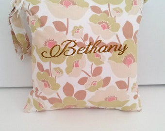 Personalized Wet Bag, Wet Bag with Name, Swimsuit Bag, Cloth Diaper Bag, Kitchen wet bag, Wet bag with name, swim bag, gym clothes bag