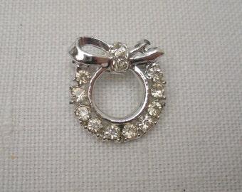 Vintage Rhinestone Wreath Brooch - Lapel Pin