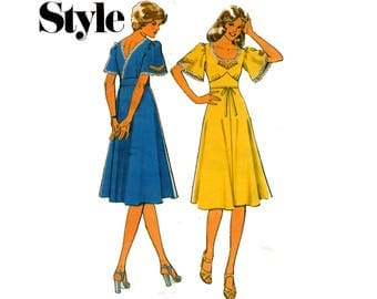 Style 1575 Boho Midriff Band Back Wrap Dress 70s Vintage Sewing Pattern Size 12 Bust 34 inches