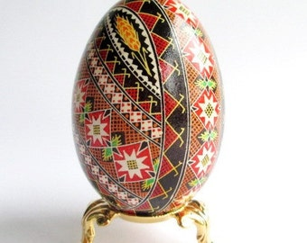 Traditional Ukrainian Christmas gift goose egg Pysanka Ukrainian Easter egg batik decorated chicken egg