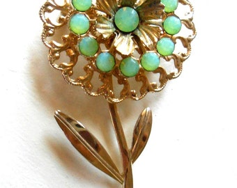 Vintage Pale Pastel Green Rhinestone Gold Tone Flower Brooch Pin