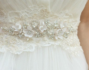 Floral Wedding sash Floral bridal belt Wedding dress belt Bridal dress sash Floral sash belt Champagne wedding belt Champagne floral sash