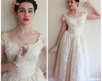 Vintage 1950s Wedding Dress Priscilla of Boston / 50s Designer Tea Length Cream Lace Capped Sleeve Bridal Gown / Small