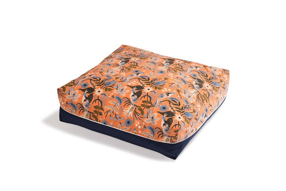 Pet Bed The Slumber Party Bird Print In Peach