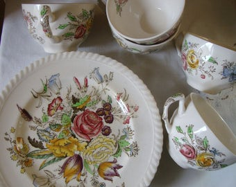 10 Piece Vintage JOHNSON BROTHERS ENGLISH China Garden Bouquet English Windsor Ware 5 - 8 Inch Plates 5 Coffee Cups Luncheon Breakfast Set