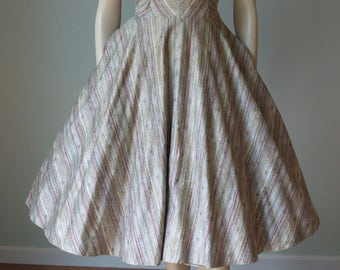 1950s Polished Cotton Dress with Stripes and Starbursts Novelty Print / Rhinestones / Full Sweep Skirt / Frank R Jelleff / Small