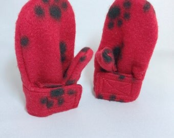 Fleece Stay On Wrap Mittens - Baby Mittens - Red Puppy Paw Prints