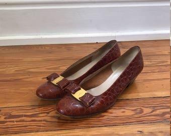Classic alligator Ferragamo low heels 9