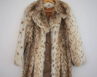1970s Faux Fur Leather Coat Animal Print Snow Leopard Large Furry Collar Furrage Womens Vintage Medium