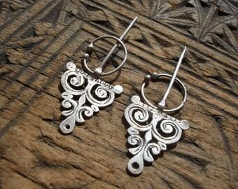 Silver (tested) pair of small fine Moroccan fibula