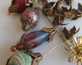 20 Gorgeous Vintage Lily/Leaf Bead Caps