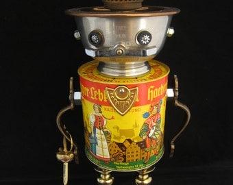King Handelszug Bot - found object robot sculpture assemblage by Cheri Kudja with Bitti Bots
