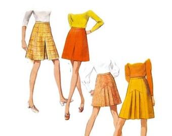 1970s STYLE 2731  Womens skirt Vintage Paper Dress pattern Mod pleated waist 29